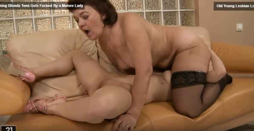 Mature lesbian forced a young blonde to lick her anus 0